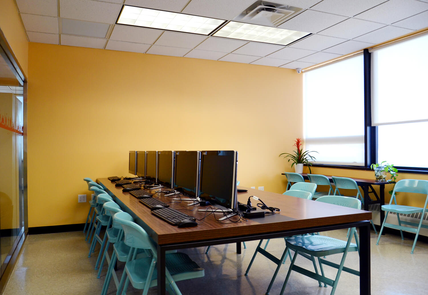 sunlight-fun-adult-senior-care-computer-room